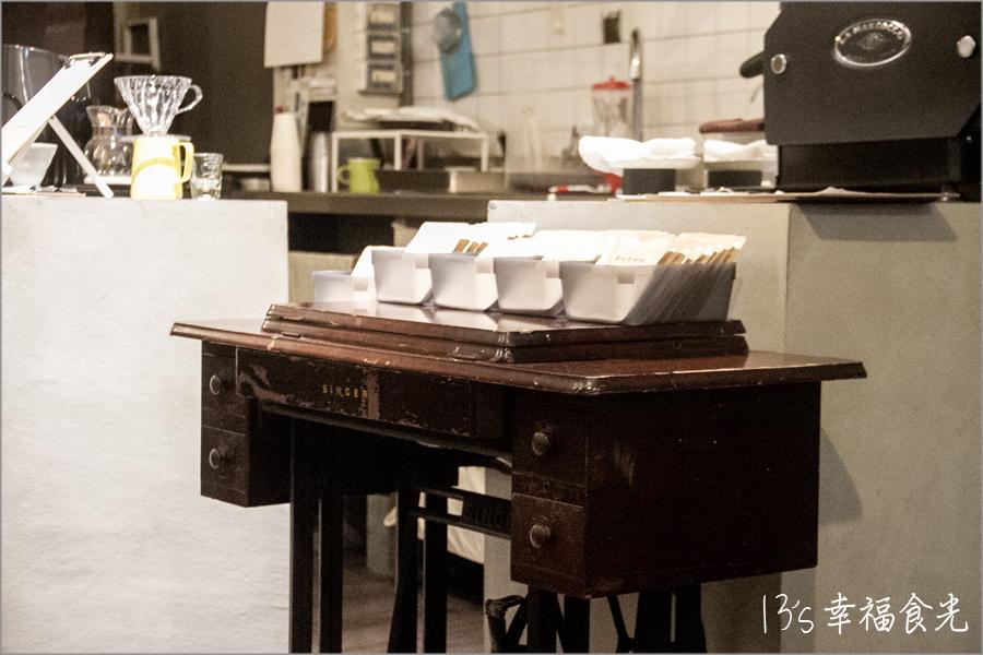 台中,台中美食,台中文青咖啡,台中咖啡,台中甜點,台中咖啡廳,台中西區咖啡,葉桂英咖啡,咖啡,台中巷弄咖啡廳,台中特色咖啡廳 @13's幸福食光