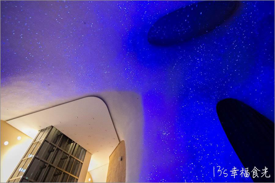 台中,台中縣市,台中西屯,台中光影秀,光之曲幕,台中國家歌劇院光影秀,曲牆燈光秀,台中光影秀展覽,台中免費展覽,台中歌劇院,台中歌劇院展覽,台中展覽,台中極光秀,台中燈光秀,光之曲幕TAP @13's幸福食光