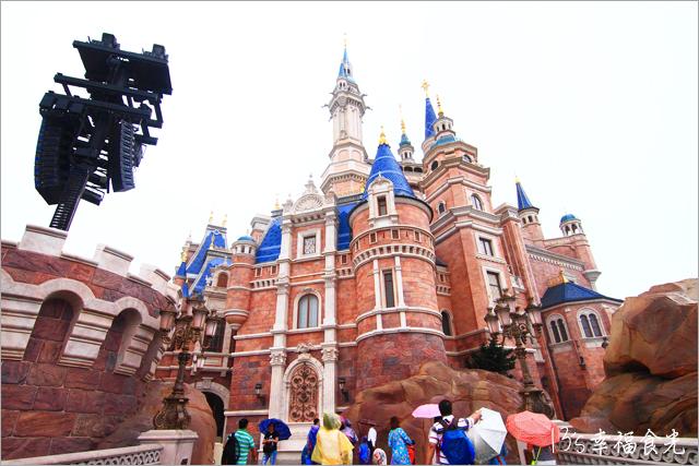 中國上海︱旅遊美食,中國|上海,上海,上海自由行,Shanghai,上海迪士尼樂園,上海景點,上海迪士尼必買,上海迪士尼交通,上海迪士尼攻略,迪士尼攻略下篇,上海迪士尼遊記,中國迪士尼,上海迪斯耐樂園,上海迪士尼必玩,夢幻世界,奇想花園,明日世界,13迪士尼遊記,迪士尼城堡 @13's幸福食光